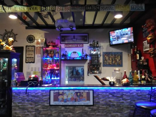 MUST VISIT: VLounge Sports Resto Bar Restaurant